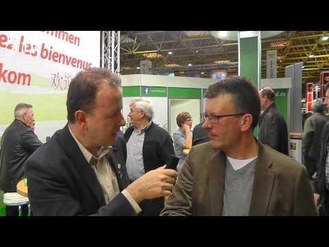Rudi de Saer im Kurzinterview mit Alfred Berger auf der Fugare in Belgien 2016 (Brieftauben)