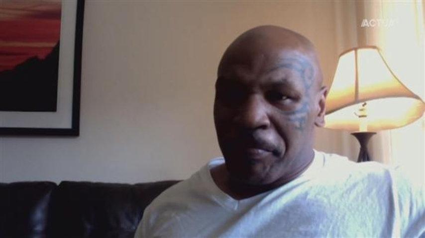 Dedecker interviewt Mike Tyson over duiven