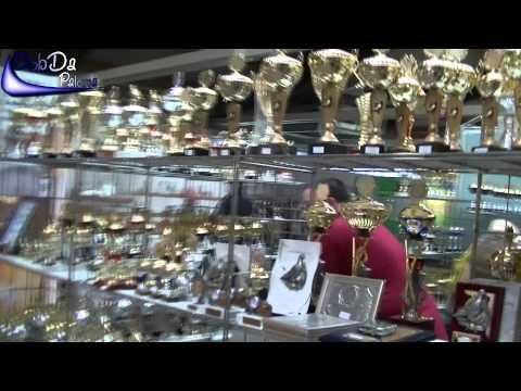(Slow Motion) A walk through the International Pigeon Market Kassel, Germany (2012)